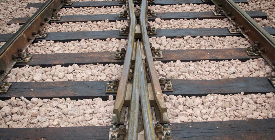 German rail: Choosing the right track